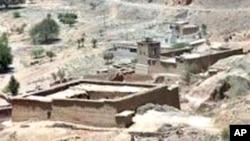 مغویوں کو اکثر طالبان کو بیچ دیا جاتا ہے جو انھیں وزیرستان منتقل کردیتے ہیں
