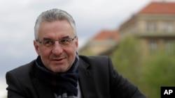 Ủy viên Nghị viện châu Âu Jan Zahradil, trong bức ảnh hồi tháng 4/2019 tại Prague, Cộng hòa Czech, bị cáo buộc có liên hệ với Đảng Cộng sản Việt Nam, trong khi là một người dẫn đầu các cuộc đàm phán về thương mại của EU với Hà Nội.