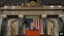 سهرۆک ئۆباما له میانهی پـێشـکهشکردنی وتاری سـاڵانهی خۆی له کۆنگرس، (ئهرشیفی وێنه 27 ی یهکی 2010)