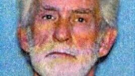 Jimmy Lee Dykes, 65 tuổi, một tài xế xe tải đã về hưu.