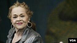 Etta James na Festivalu jazza u New Orleansu, 29.4. 2006. godine