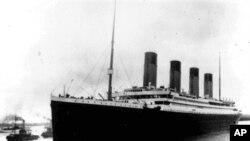 Tàu Titanic khởi hành trong chuyến đi định mệnh (ảnh lưu trử 10/4/1912)