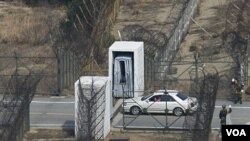 Tentara Korea Selatan siaga di wilayah perbatasan dengan Korea Utara di Goseong (foto: dok.).
