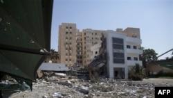 Libya'da Zaviye ve Brega da Asilerin Eline Geçti