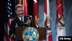 陸軍上將麥康維爾上將2019年3月出席一個活動(美國陸軍照片)