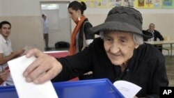 Glasanje na biračkom mestu u centru Podgorice