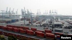 Le port de Long Beach en Californie, l'un des sites affectés par la grève des dockers (Reuters )