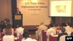 Hội nghị do Hiệp hội May mặc và Da giày Hoa Kỳ tổ chức lần đầu tiên tại Việt Nam, 10-11/11/2010