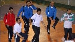 رهبران ایران و بولیوی فوتبال بازی می کنند