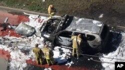 지난 7월 카르잔에서 벌어진 차량 테러 현장. 당시 차에 타고 있던 이슬람 고위 성직자 일두스 파이조프가 부상을 입었다. (자료사진)