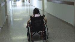 استفاده از آيفون برای آمد و شد افرادی که از صندلی چرخدار استفاده می کنند