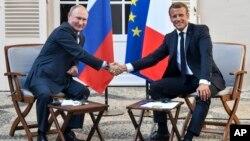 Президент Франции Эммануэль Макрон и президент России Владимир Путин. Франция. 19 августа 2019 г.