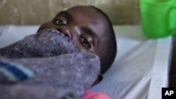 Un patient congolais est touché par le choléra à Goma, RDC, 4 avril 2012.