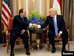 U.S. President Donald Trump meets with Egyptian President Abdel Fattah el-Sisi in Riyadh, Saudi Arabia, May 21, 2017.