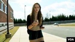 [구석구석 미국 이야기] 길거리 손전화 사용, 청소년 교통사고률 높여