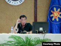 Presiden Filipina Rodrigo Duterte memberlakukan karantina dari 15 Maret - 14 April untuk Metropolitan Manila berpenduduk 12 juta jiwa. (Courtesy: Presidential Communications / Malacañang Palace)