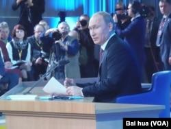 来自克格勃的普京执政后,俄罗斯已无人再提清污 (美国之音白桦拍摄)