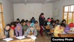 Dibistaneke li Amûdê