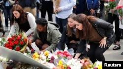 Stanovnici Londona odaju poštu ubijenoj laburističkoj poslanici Džo Koks