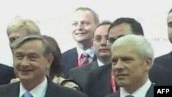 Predsednici Slovenije i Srbije, Danilo Tirk i Boris Tadic, na biznis forumu u Aranđelovcu, 6. oktobar 2011.