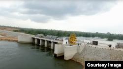 Capture d'écran de la vidéo de CI-Energie montrant le barrage de Soubré, en Côte d'Ivoire, le 7 mars 2017.