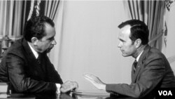 Prezident Riçard Nikson Corc Buşun siyasi karyerasında mühüm rol oynayıb.