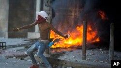 Cientos de miles de haitianos han estado protestando para exigir la renuncia del presidente Jovenel Moise.