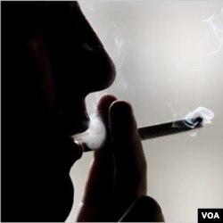 Harga rokok yang amat terjangkau akibat cukai yang murah, menurut Komnas Perlindungan Anak, menjadi salah satu penyebab banyaknya perokok muda.