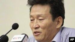 한국에 정착했던 탈북민 고현철 씨가 북한에 다시 체포된 후 지난 2016년 7월 평양에서 기자회견을 했다.