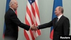 ကန္သမၼတသစ္ Joe Biden နဲ႔ ႐ုရွားသမၼတ Vladimir Putin။