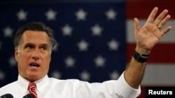 罗姆尼在维吉尼亚集会上发表竞选演说