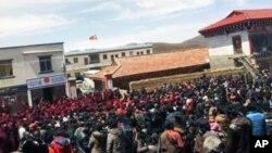 四川甘孜竹庆乡藏民抗议的情况