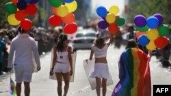 «Гей-прайд» шагает по Европе