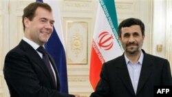 Дмитрий Медведев и Махмуд Ахмадинежад. Архив. 18 ноября 2010г. Баку.