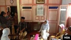 Silaturahmi lebaran (VOA/Nurhadi Sucahyo)