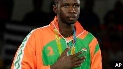Le Nigérien Abdoulrazak Issoufou Alfaga a remporté la médaille d'argent en taekwondo dans la catégorie des plus de 80 kg, à Rio, Brésil, le 20 août 2016.