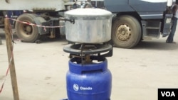 Africa and Oando plan to distribute 20 million of these three-kilogram gas cylinders to Nigerian homes within the next five years, Lagos, Nigeria. (Nicholas Ibekwe/VOA)