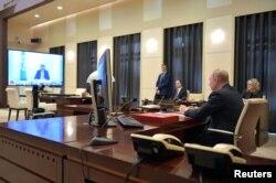 Президент Росії Володимир Путін під час телеконференції з лідерами G20