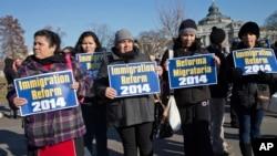 Activistas se manifiestan esperanzados en que el 2014 sea el año de la reforma migratoria.