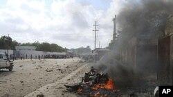 Scene of the deadly car-bombing in Mogadishu, Somalia, Oct. 18, 2011.