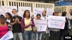 Protesta en el Hospital J.M. de los Rios, el pediátrico más importante de Venezuela. Caracas, Venezuela. Foto: Carolina Alcalde.