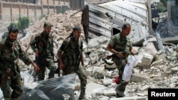 Halep'te Esat rejimine bağlı askerler