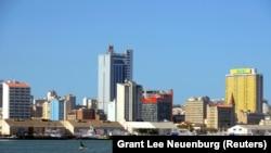Cidade de Maputo vista do mar.