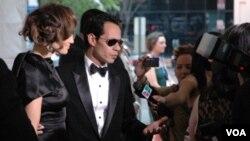 El cantante Marc Anthony recibió el premio por logros de toda una vida durante el evento. Su esposa, Jennifer López, lo acompañó.