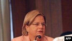 Chủ tịch Ủy ban Ngoại vụ Hạ viện Hoa Kỳ Ileana Ros-Lehtinen nói rằng phúc trình của IAEA cho thấy sự cần thiết phải 'hành động quyết liệt' để ngăn chặn Iran thủ đắc vũ khí hạt nhân