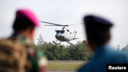 Helikopter Angkatan Laut Indonesia di pangkalan udara Pangkalan Bun, Kalimantan Tengah. (Foto: Dok)