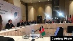 این تصویر را ریاست جمهوری افغانستان از نشست پروسه قلب آسیا در باکو، نشر کرده است.