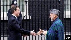 رییس جمهور کرزی که اکنون در بریتانیا به سر میبرد، به صدراعظم آن کشور دیدار دیوید کمرون ملاقات داشت.
