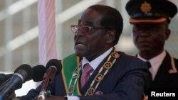 지난 33년간 장기 집권해 온 로버트 무가베 짐바브웨 대통령. 무가베 대통령은 이번 대선에서 승리하면서 또다시 5년의 임기를 연장하게 되었다. (자료사진)
