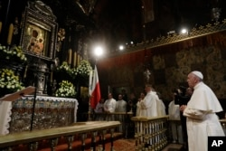 Pope Francis prays in front of the Black Madonna in the Jasna Gora' shrine in Czestochowa, July 28, 2016.